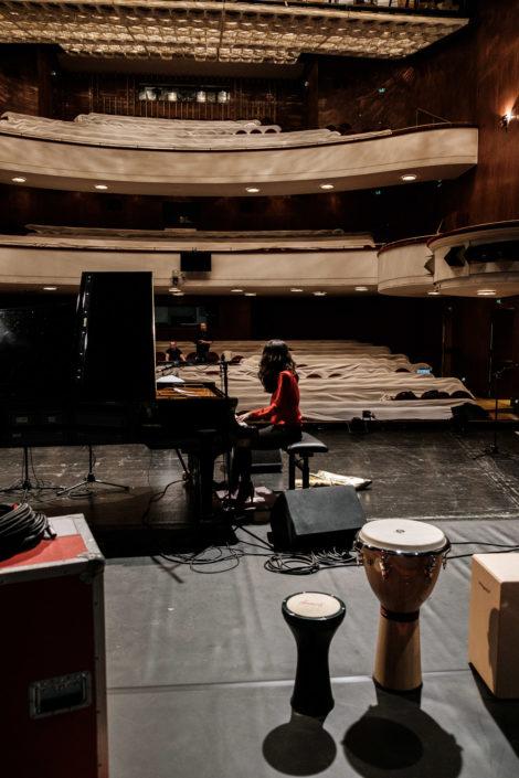 Younee | pianist